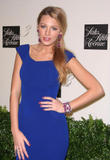 http://img9.imagevenue.com/loc442/th_87587_Blake_Lively_-_Saks_Fifth_Avenue_in_NYC3_122_442lo.jpg