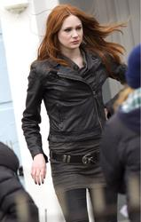 Карен Гиллан, фото 138. Karen Gillan - On The Set Of Doctor Who In Cardiff - 4/5/12, foto 138