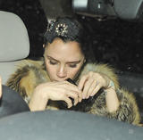 Victoria Beckham - Страница 14 Th_56541_celebrity-paradise.com_Victoria_Beckham_arriving_At_Hotel_016_122_449lo