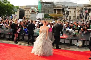 Эмма Уотсон, фото 578. Actress Emma Watson attends the World Premiere of Harry Potter and The Deathly Hallows - Part 2 at Trafalgar Square on July 7, 2011 in London, England., photo 578